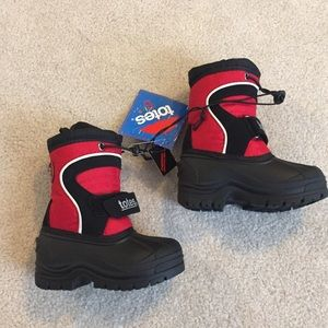 Totes baby snow boots size 6
